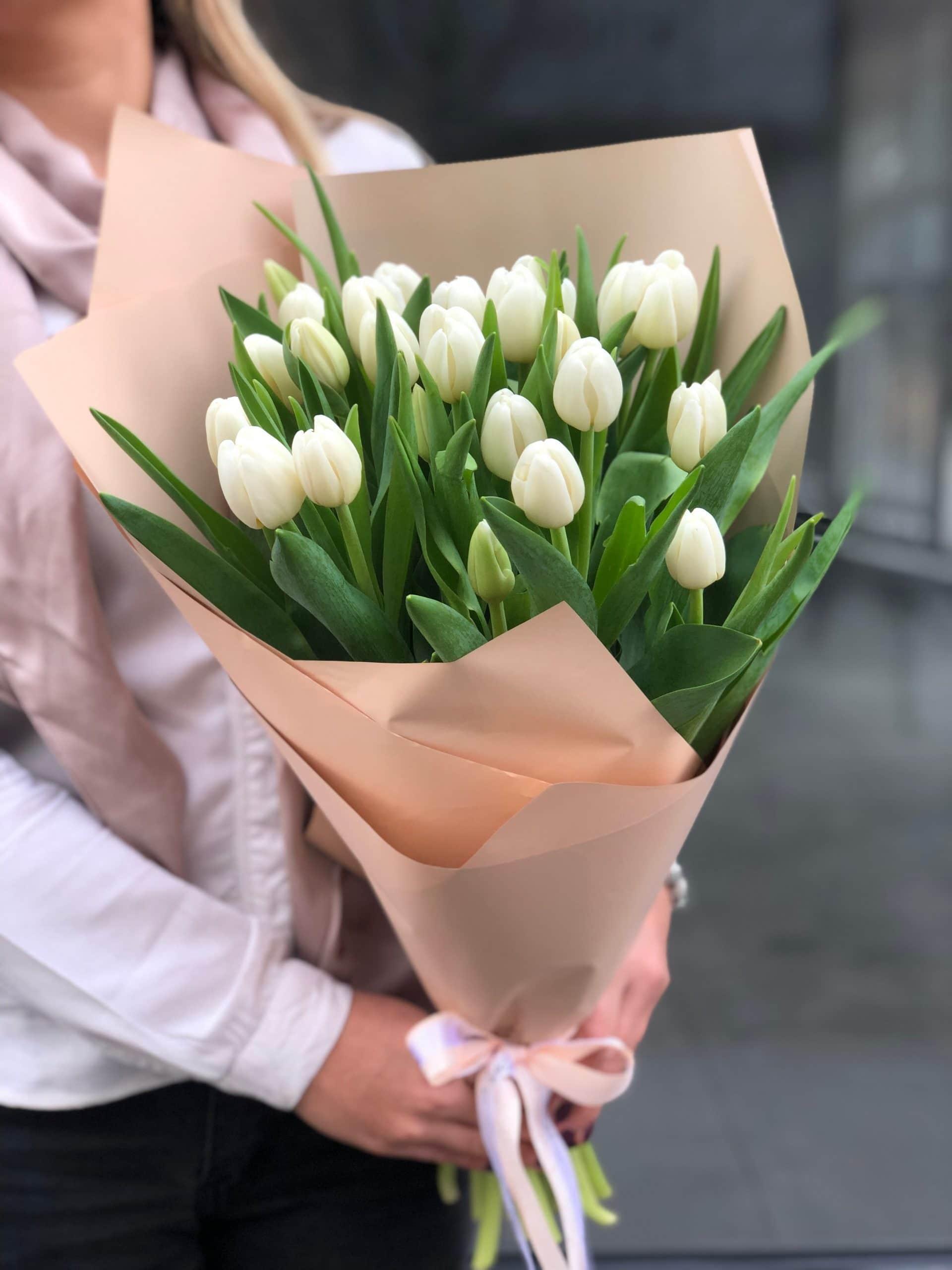 Bukiet Białe Tulipany