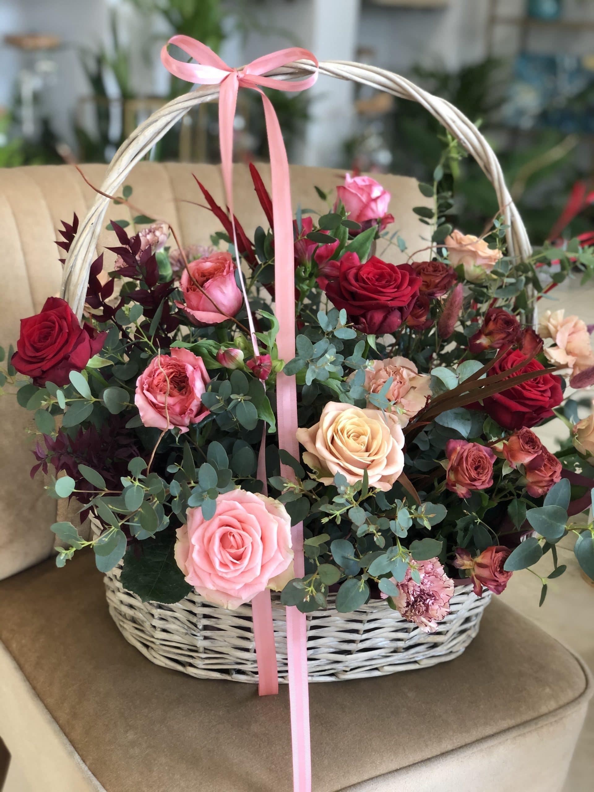 Ponadczasowy Kosz kwiatów – wybierz kolor