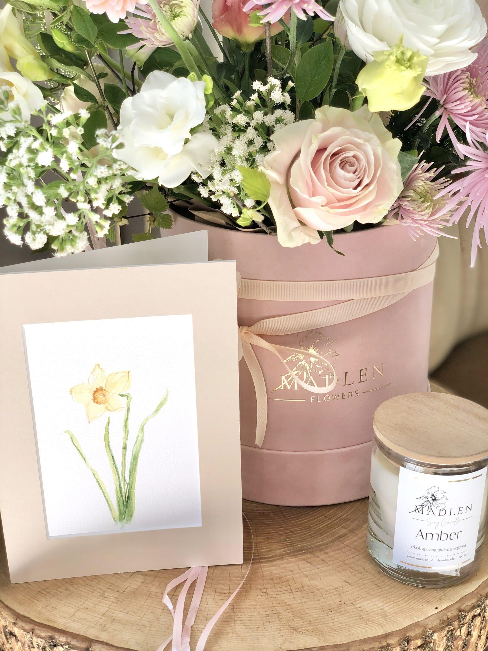 Zestaw urodzinowy – flowerbox pastelowy, kartka, balony, świeca